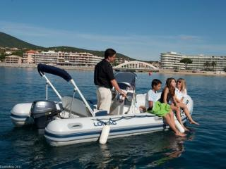 Location Lomac sans permis en famille à Saint Tropez