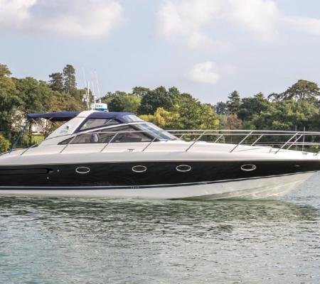 Location bateau prestige avec skipper