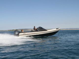 Nouveaux bateaux LOMAC de votre concessionnaire Espace Bleu : Gran Turismo 10.5 et 8.5